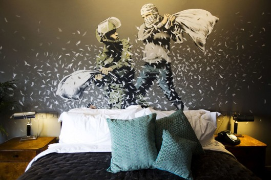 FM-the-walled-off-hotel-Banksy-belen-03